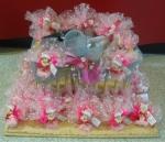Présentoir et montage : dragéesn tules et poupées roses
